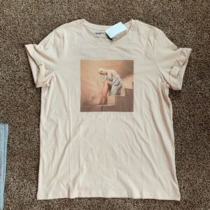 NWT Ariana Grande stairs tee size large